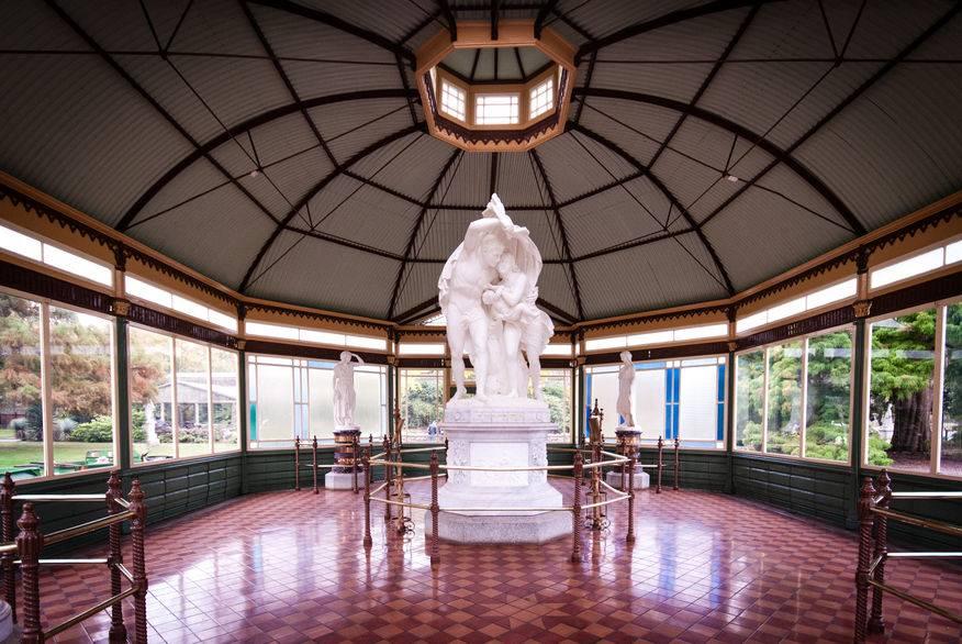 Statuary Pavilion, Botanical Gardens , Lake Wendouree