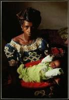Mother & Child in Guinea - Trevor Kittelty : Merit