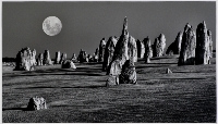 Pinnacles Moon ( Ian English ) Merit